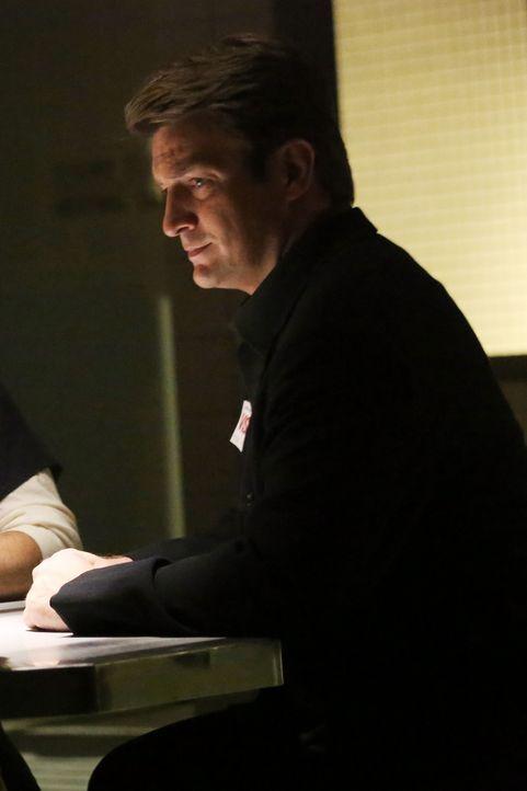 Auch wenn Castle (Nathan Fillion) auf seine Tochter aktuell nicht gut zu sprechen ist, lässt er sie nicht im Stich ... - Bildquelle: 2013 American Broadcasting Companies, Inc. All rights reserved.