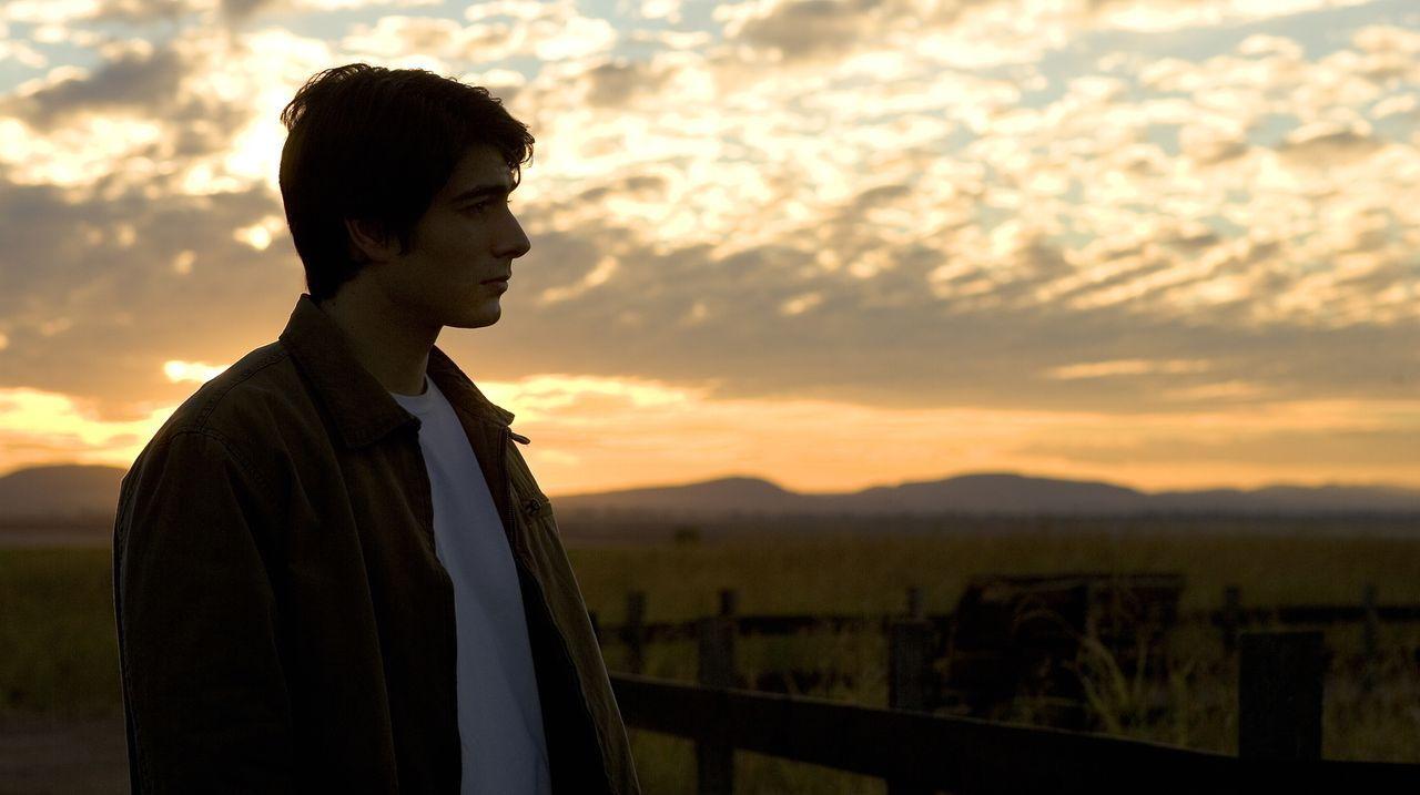 Durch die mehrjährige Abwesenheit fällt es Clark (Brandon Routh) schwer, seinen Platz in einer Gesellschaft wiederzufinden, die es gelernt hat, ohne... - Bildquelle: Warner Brothers International Television Distribution Inc.