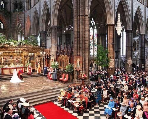 William-Kate-Auszug-Kirche-Kutsche3-11-04-29-500_404_AFP - Bildquelle: AFP