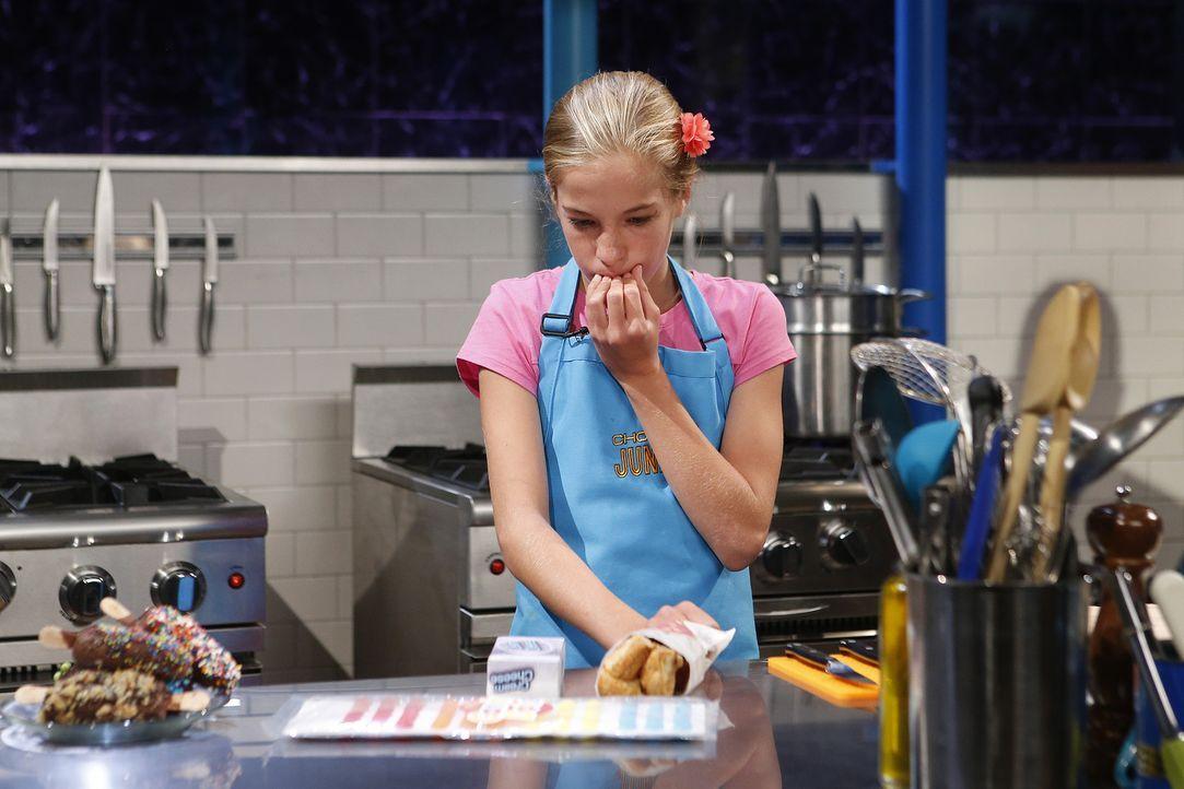 Bei Chopped müssen die Juniorköche nicht nur mit außergewöhnlichen Zutaten arbeiten, sondern auch unter Zeitdruck kochen: Wird Emily rechtzeitig etw... - Bildquelle: Jason DeCrow 2015, Television Food Network, G.P. All Rights Reserved