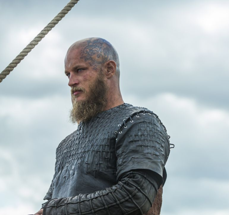 Möchte nichts sehnlicher als den Tod seines Bruders Rollo: Ragnar (Travis Fimmel) ... - Bildquelle: 2016 TM PRODUCTIONS LIMITED / T5 VIKINGS III PRODUCTIONS INC. ALL RIGHTS RESERVED.
