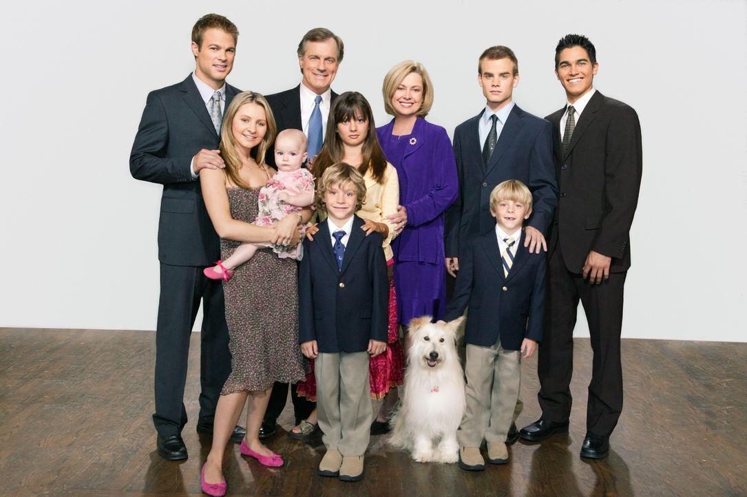 (10. Staffel) - Eine himmlische Familie (V. hinten l. nach vorne r.): Kevin (George Stults) Eric (Stephen Collins), Annie (Catherine Hicks), Simon C... - Bildquelle: The WB Television Network