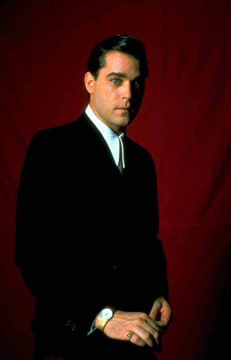 Auf der Suche nach Macht und dem großen Geld gerät Kleinganove Henry Hill (Ray Liotta) zwischen die Fronten der Mafia und steigt schließlich in der... - Bildquelle: Warner Bros.