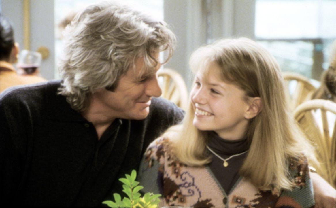 Eine glückliche Familie? Vincent Eastman (Richard Gere, l.) liebt seine 16-jährige Tochter Meaghan (Jenny Morrison, r.) über alles. Trotzdem muss au... - Bildquelle: Paramount Pictures