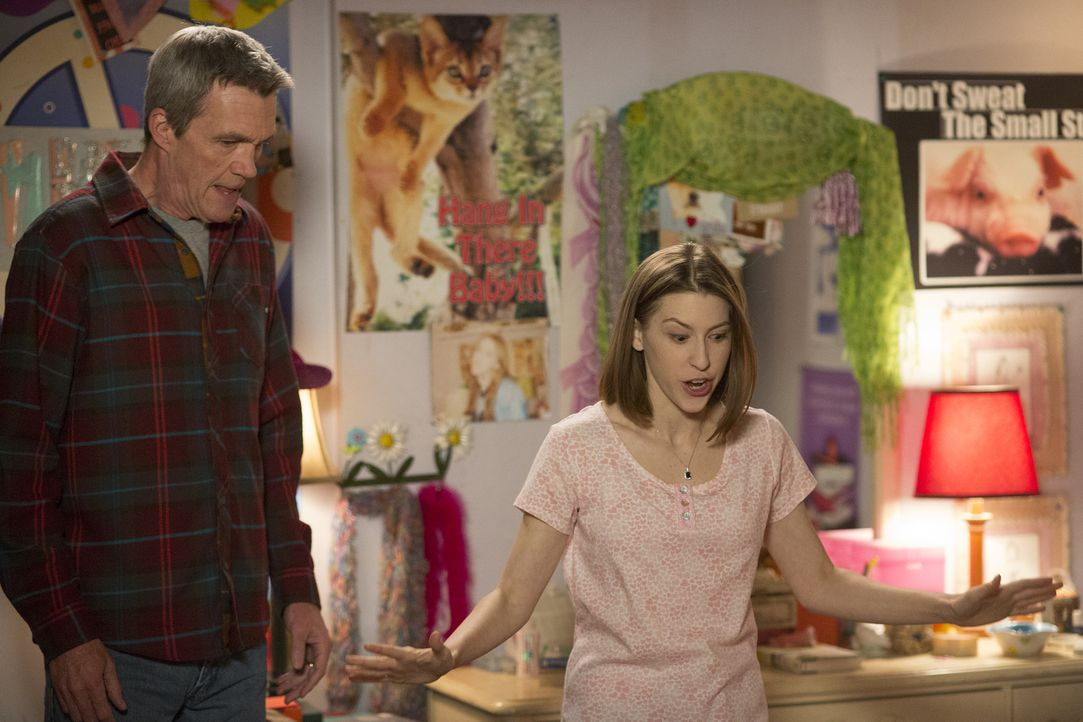 Mike (Neil Flynn, l.); Sue (Eden Sher, r.) - Bildquelle: Michael Ansell 2017 American Broadcasting Companies, Inc. All rights reserved./Michael Ansell