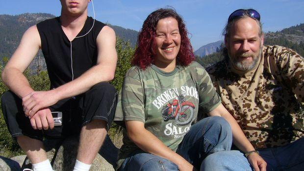 Cory Massicotte (49) wandert mit seiner Frau Ellen (41) und ihrem Sohn Andy (...