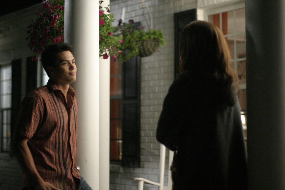 Felix (Micheal Copon, l.) und Brooke (Sophia Bush, r.) kommen sich beim Erledigen ihrer Aufgaben ziemlich nahe ... - Bildquelle: Warner Bros. Pictures