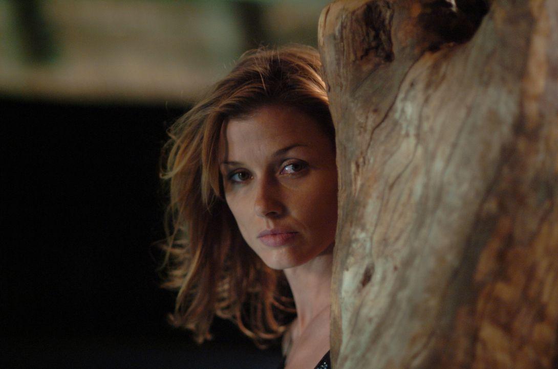Noch ahnt Amy (Bridget Moynahan) nicht, dass sie schon bald ganz andere Probleme haben wird, als eine aufsässige Teenager-Stieftochter ...