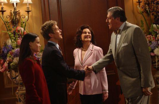 Die Großeltern von Rory (Alexis Bledel, l.) können es nicht fassen, dass ihre...