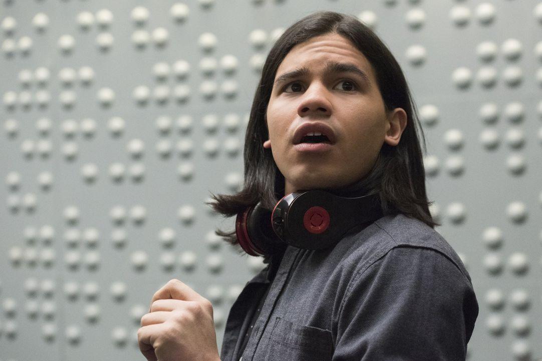 Wird es Cisco (Carlos Valdes) gelingen, Dr. Wells zu einem Geständnis zu treiben oder wird dieser alle reinlegen? - Bildquelle: Warner Brothers.