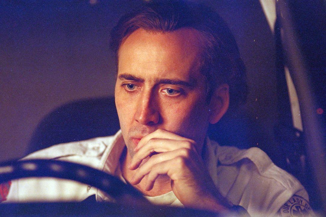 Die ständige Konfrontation mit dem Tod und die nervenaufreibenden Nachtschichten zehren an dem Sanitäter Frank Pierce (Nicolas Cage). Ständige Visio... - Bildquelle: Paramount Pictures and Touchstone Pictures