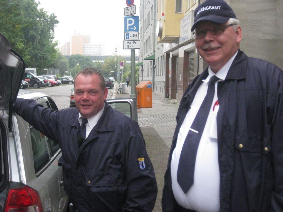 Berlin, die Metropole mit Herz, Charme und Schnauze. Nirgendwo sonst haben die Ordnungshüter so viel zu tun wie hier. Klaus (r.) und Gerhard (l.) v... - Bildquelle: kabel eins