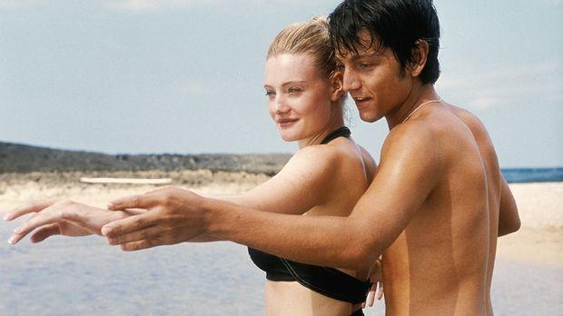Dirty Dancing 2 - Heiße Nächte auf Kuba - Kommen sich durch das tanzen ziemli...