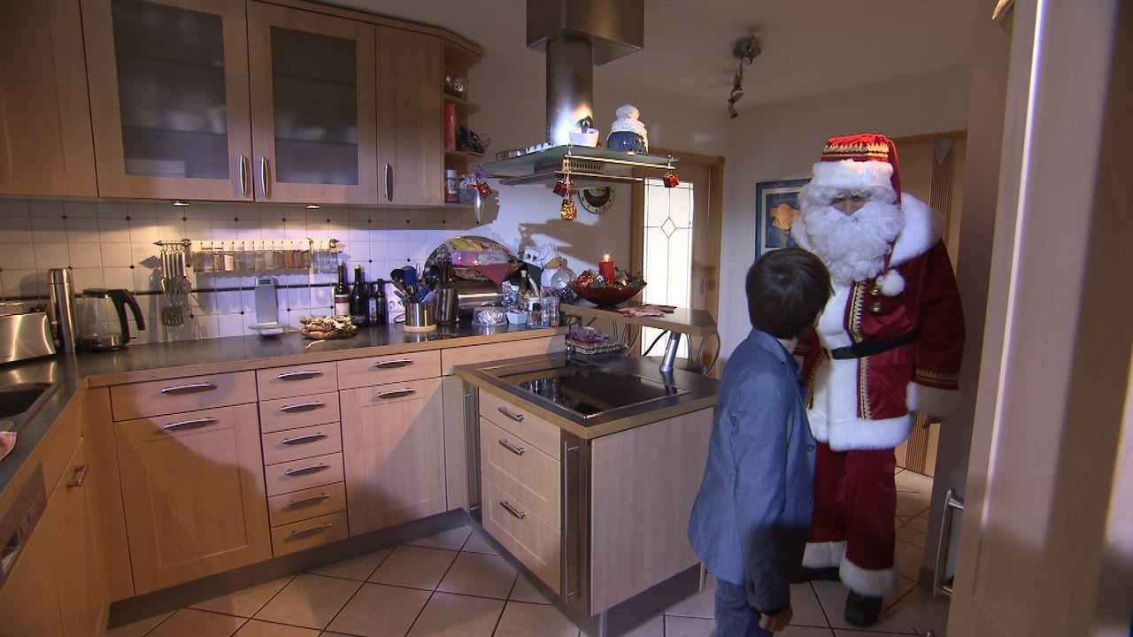Wer-glaubt-schon-an-den-Weihnachtsmann1 - Bildquelle: SAT.1