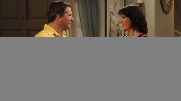 Charlie trifft sich weiter mit Rose (Melanie Lynskey, r.), denn er weiß nicht...