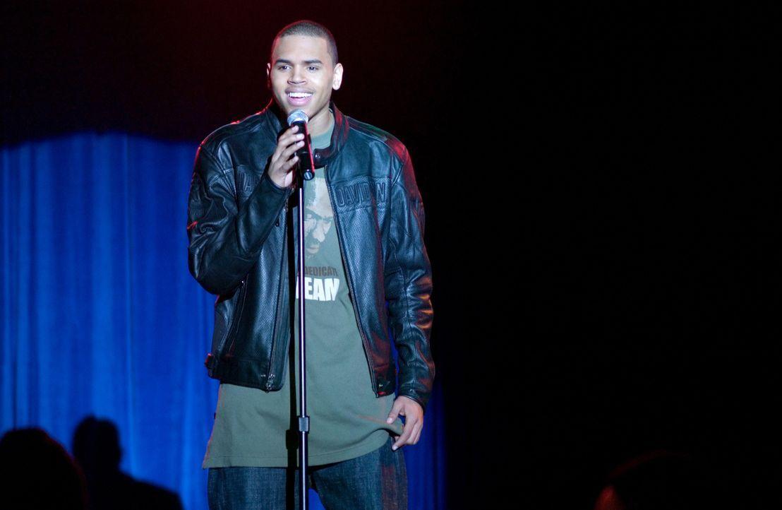 Niemand ahnt, dass Michael (Chris Brown) ein wunderbarer Sänger ist und davon träumt, das Singen zu seinem Beruf zu machen ... - Bildquelle: CPT Holdings, Inc.  All Rights Reserved.
