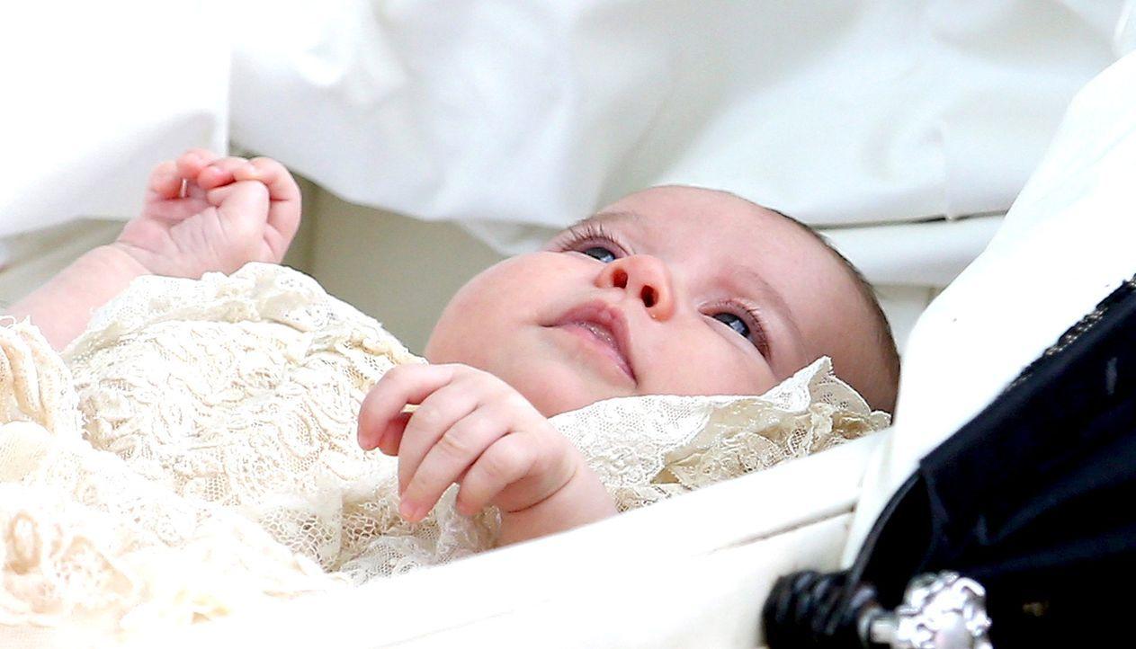 Taufe-Prinzessin-Charlotte-15-07-05-29-dpa - Bildquelle: dpa