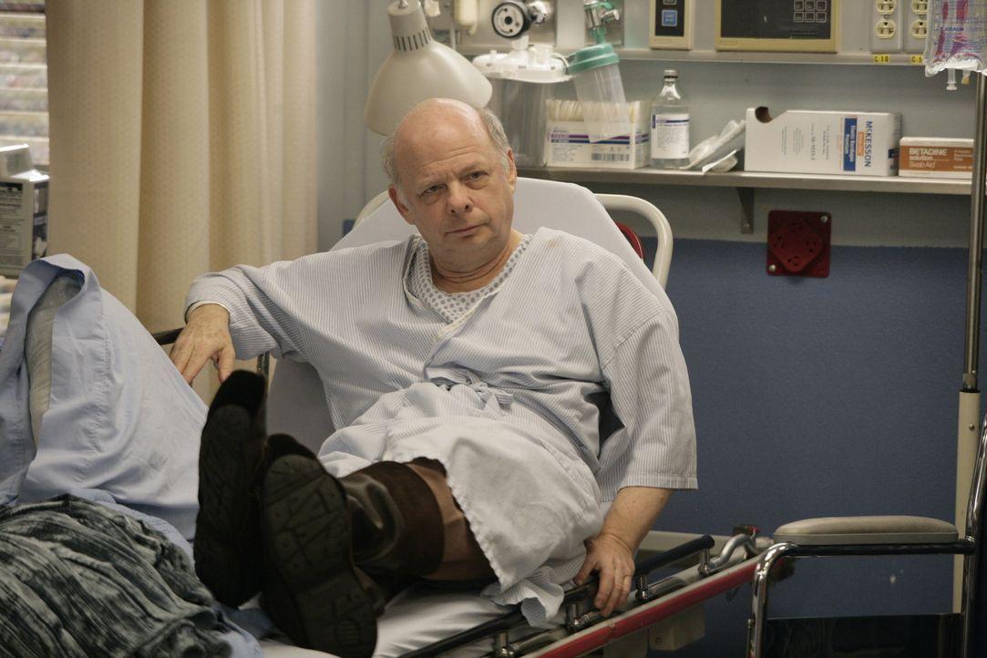 In der Notaufnahme des County Hospitals: Teddy (Wallace Shawn) ... - Bildquelle: Warner Bros. Television