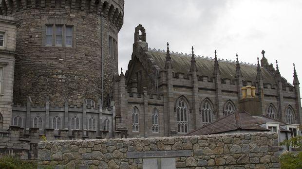 Ein französisches Chateau diente als Schauplatz einer wunderbaren zeitlosen L...