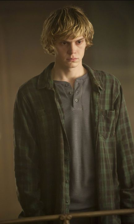 Evan Peters als Tate Langdon - Bildquelle: 2013-2014 Fox and its related entities