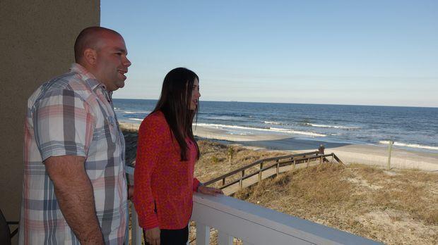 Frank (l.) und Daria (r.) suchen ein Haus, das einen direkten Zugang zum Stra...