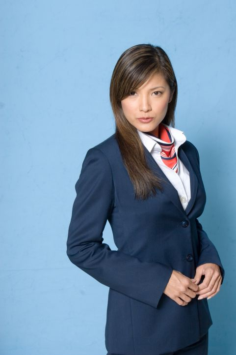 In 10000 Metern Höhe, ohne ausgebildeten Piloten, mit hysterischen Passagieren muss die junge Stewardess Sharon (Kelly Hu) einen kühlen Kopf bewahre... - Bildquelle: Columbia Broadcasting System