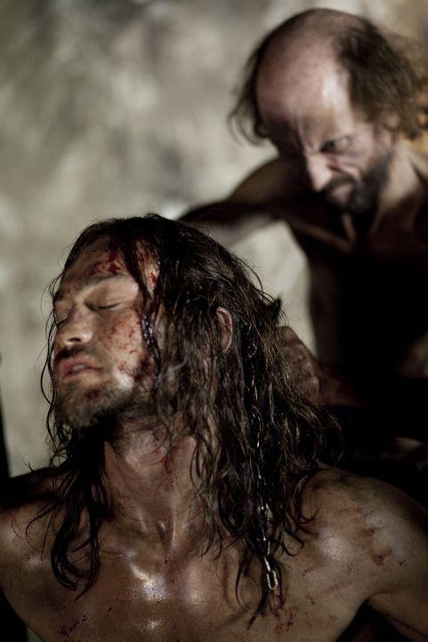 Bekommt eine neue Frisur: Spartacus (Andy Whitfield, l.) ... - Bildquelle: 2010 Starz Entertainment, LLC