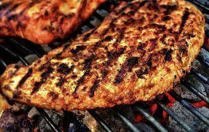 Fleisch auf Grill