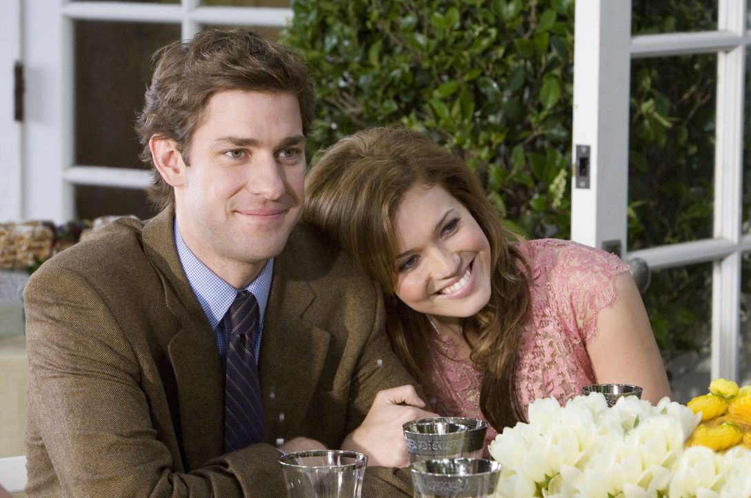 Ben (John Krasinski, l.) und Sadie (Mandy Moore, r.) sind frisch verlobt und wollen nur eines: bis an ihr Lebensende zusammenbleiben! Die Sache hat... - Bildquelle: 2007 Warner Brothers International Television Distribution Inc.