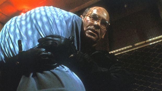 Skinner (Mitch Pileggi) hat sich mit einem geheimnisvollen Raucher auf einen...