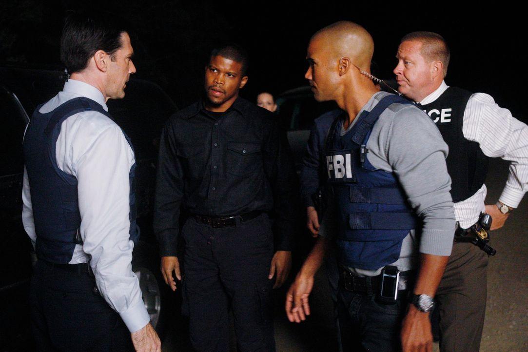 William Hightower (Sharif Atkins, 2.v.l.) alles gegeben hat, damit die Polizei endlich auf die verschwunden Obdachlosen in Detroit aufmerksam geword... - Bildquelle: Touchstone Television