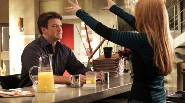 Richard Castle (Nathan Fillion, l.) ist sehr stolz auf seine Tochter Alexis (...