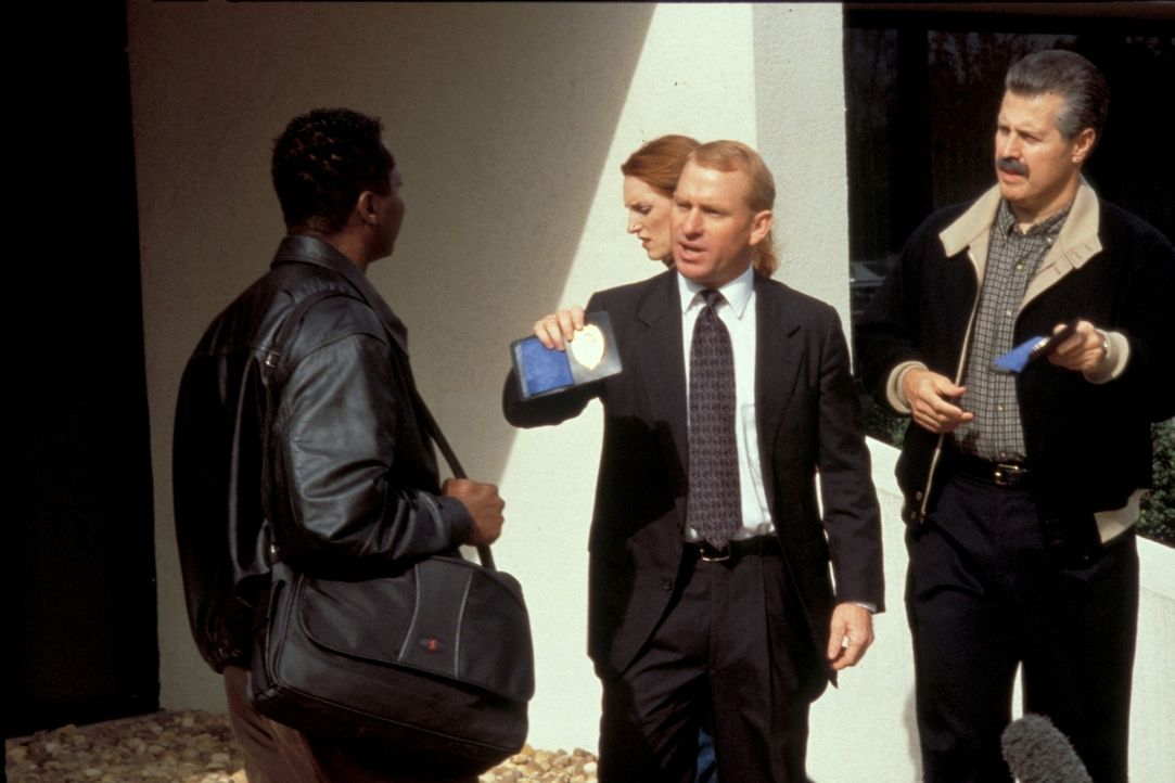 Als 1987 ein bekannter TV-Produzent in seinem New Yorker Büro ermordet wird, tappt das FBI im Dunkeln: Der Killer war ein absoluter Profi ... - Bildquelle: New Dominion Pictures, LLC