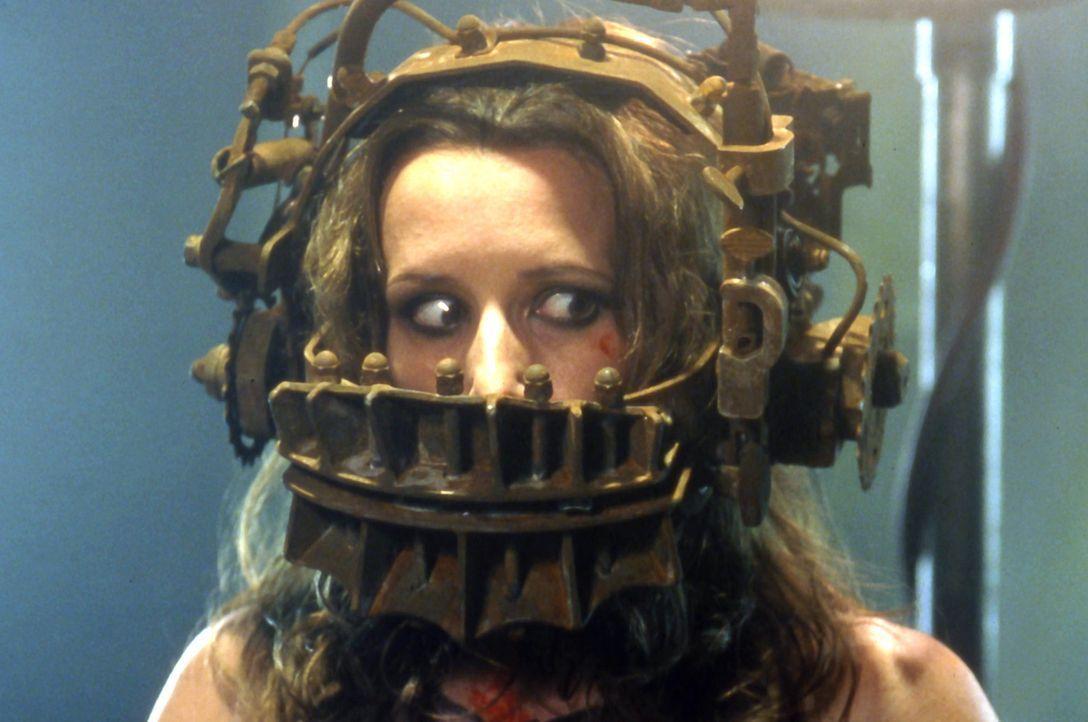 In der Hand eines eiskalten Psychopathen: Die Drogensüchtige Amanda (Shawnee Smith) muss einen Schlüssel suchen, um die Apparatur auf ihrem Kopf z... - Bildquelle: Twisted Pictures