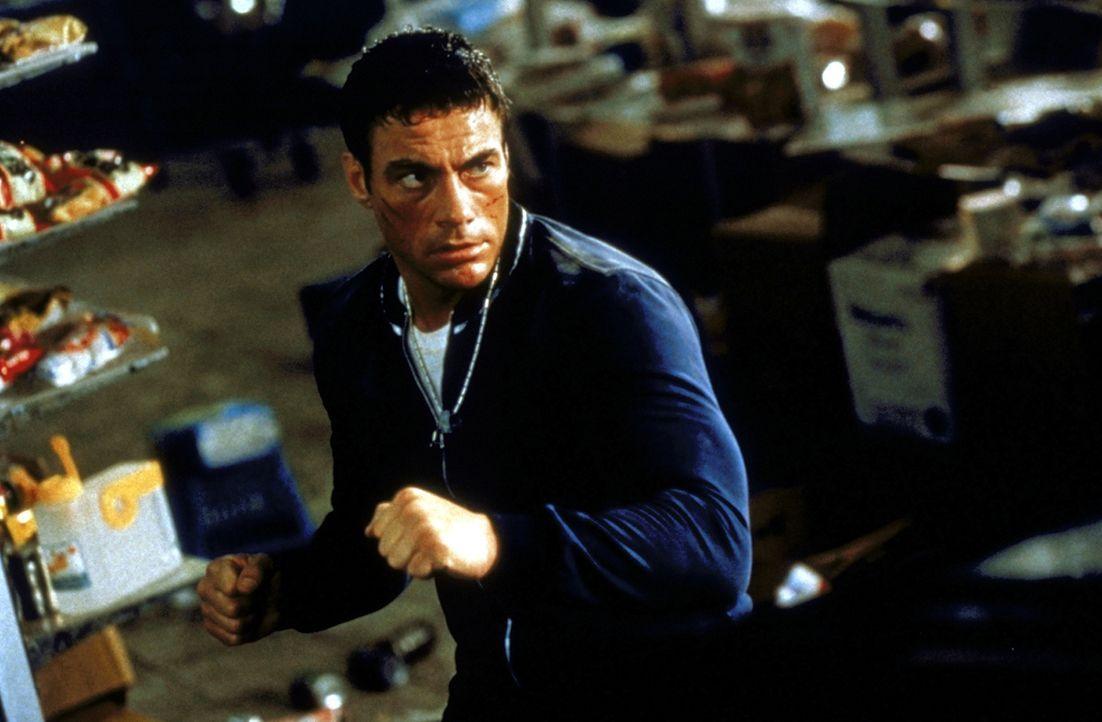 Marcus Ray (Jean-Claude van Damme), Vertreter für Designer-Jeans, gerät unversehens in eine weltweite Verschwörung internationaler Terroristen ... - Bildquelle: TriStar Pictures