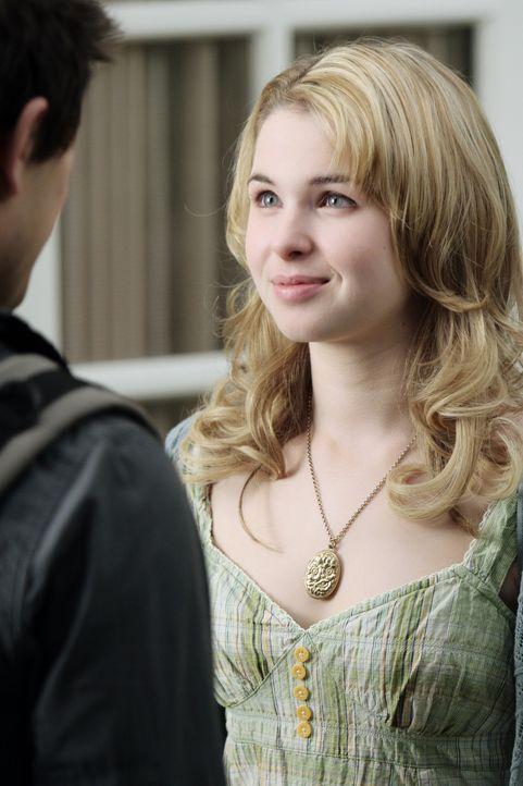 Ein Blick sagt tausend Worte: Amanda (Kirsten Prout, hinten) ist Hals über Kopf in Kyle (Matt Dallas, vorne) verliebt. - Bildquelle: TOUCHSTONE TELEVISION