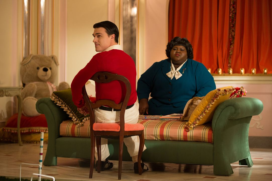 Nachdem Regina (Gabourey Sidibe, r.) wochenlang nichts von ihrer Mutter gehört hat, macht sie sich auf den Weg zu Dandy (Finn Wittrock, l.) und dess... - Bildquelle: 2014-2015 Fox and its related entities. All rights reserved.