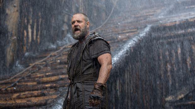 Noah (Russell Crowe) versucht mit allen Mitteln, Gottes Auftrag auszuführen u...
