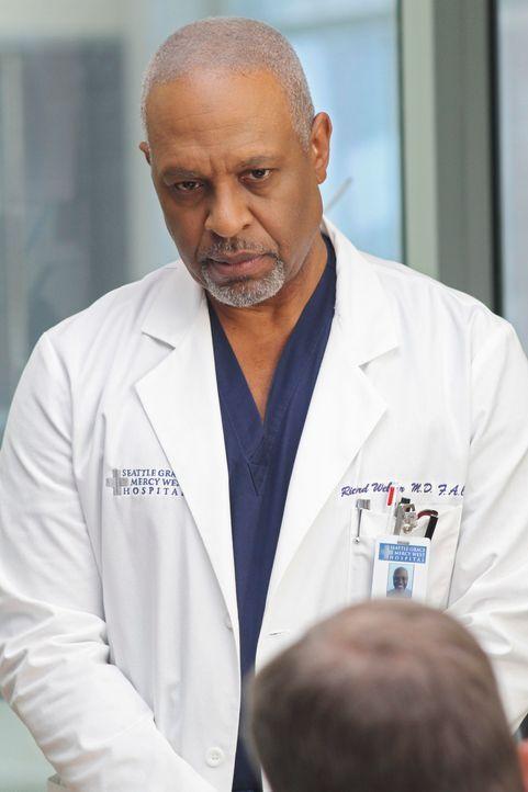 Immer gewillt, Leben zu retten: Webber (James Pickens, Jr.) ... - Bildquelle: Touchstone Television
