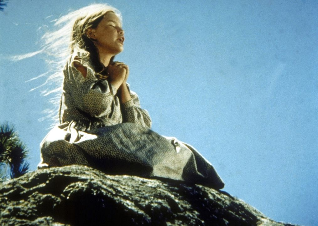 Laura (Melissa Gilbert) bittet Gott, ihren verstorbenen Bruder wieder zu ihrem Vater zu schicken. - Bildquelle: Worldvision