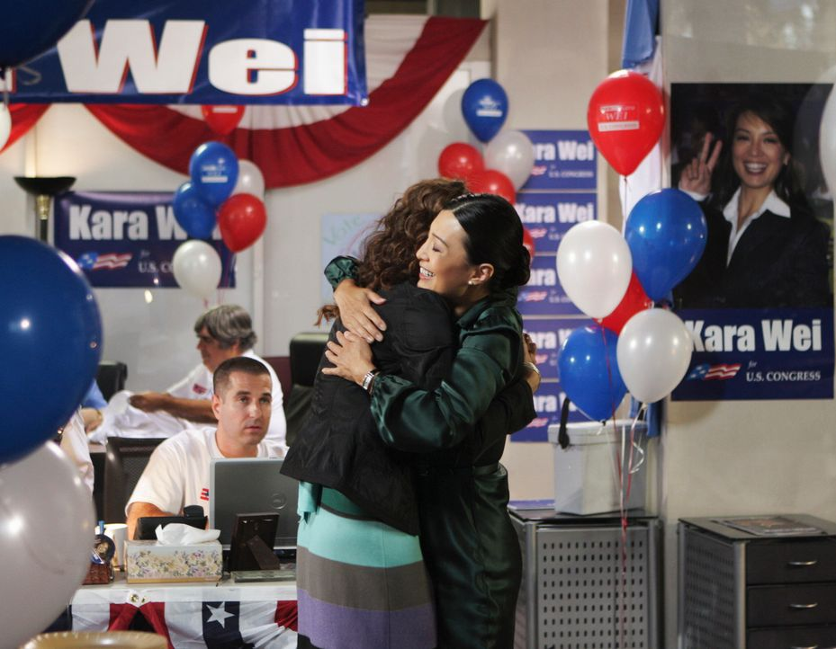 Beste Freundinnen? Kara (Ming-Na, r.) und Violet (Amy Brenneman, l.) ... - Bildquelle: ABC Studios