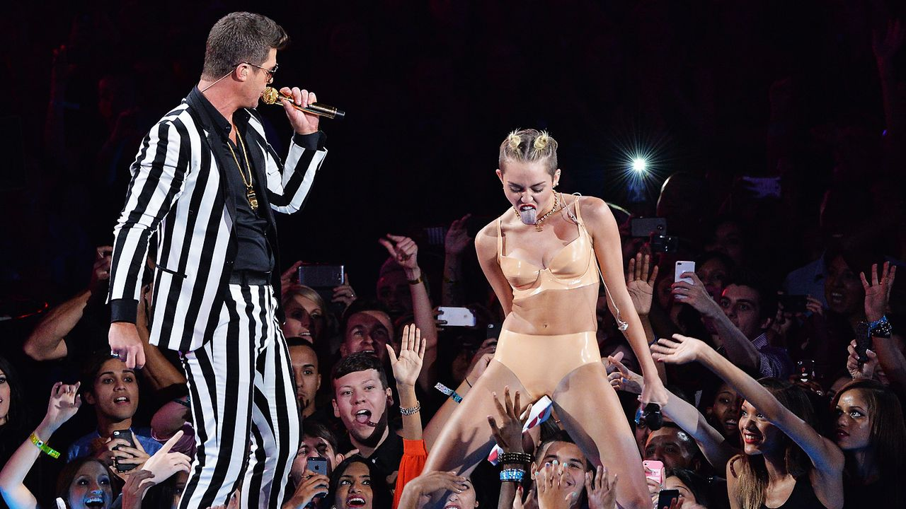 MTV-Music-Video-Awards-Robin-Thicke-Miley-Cyrus-130825-getty-AFP - Bildquelle: getty-AFP