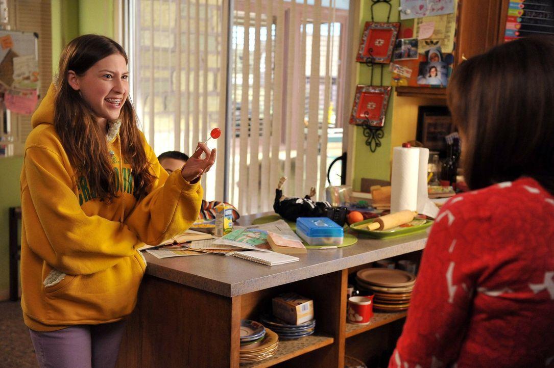 Während Frankie und Mike zusammen auf eine Halloweenparty gehen wollen, muss auch Sue (Eden Sher) sich auf ein ganz besonderes Event vorbereiten. Pa... - Bildquelle: Warner Brothers
