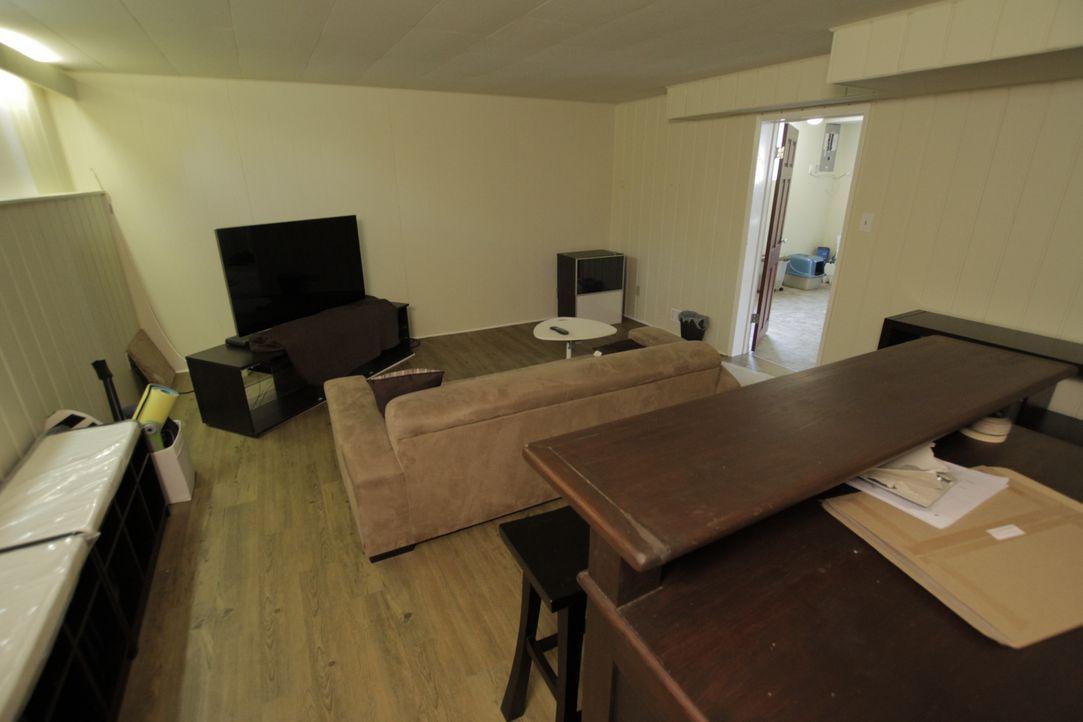 Dieser Kellerraum soll Potential für ein Entertainment Zimmer haben? Boris und Kari können sich das noch nicht so ganz vorstellen ... - Bildquelle: 2017,HGTV/Scripps Networks, LLC. All Rights Reserved