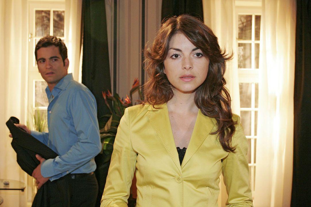 David (Mathis Künzler, l.) ist verärgert, weil er Mariella (BIanca Hein, r.) sich weigert, mit ihm ein klärendes Gespräch zu führen.