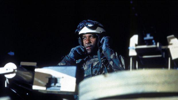 Bei einem nächtlichen Einsatz während des Golfkrieges gibt Leutnant Serling (...