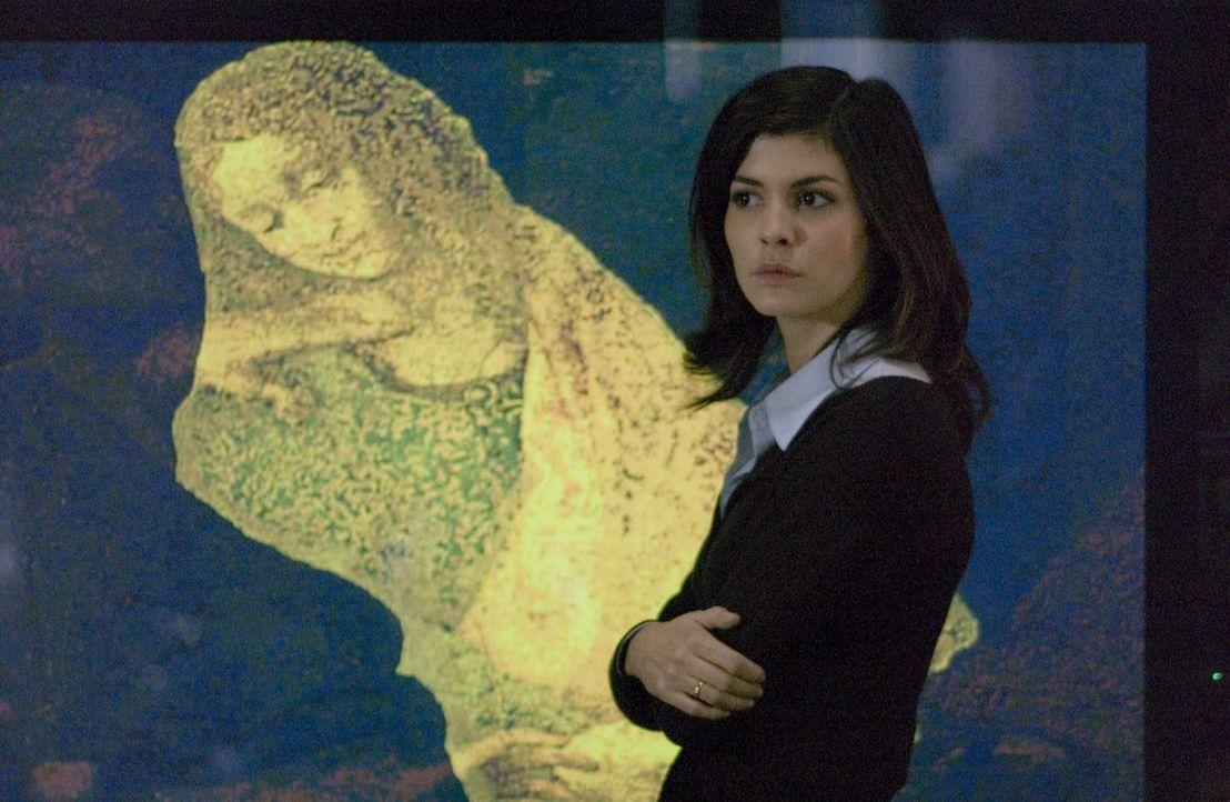 Kann es sein, dass Leonardo da Vinci in seinen Werken Hinweise auf das Versteck des heiligen Grals eingearbeitet hat? Kryptologin Sophie Neveu (Audr... - Bildquelle: Sony Pictures Television International. All Rights Reserved.