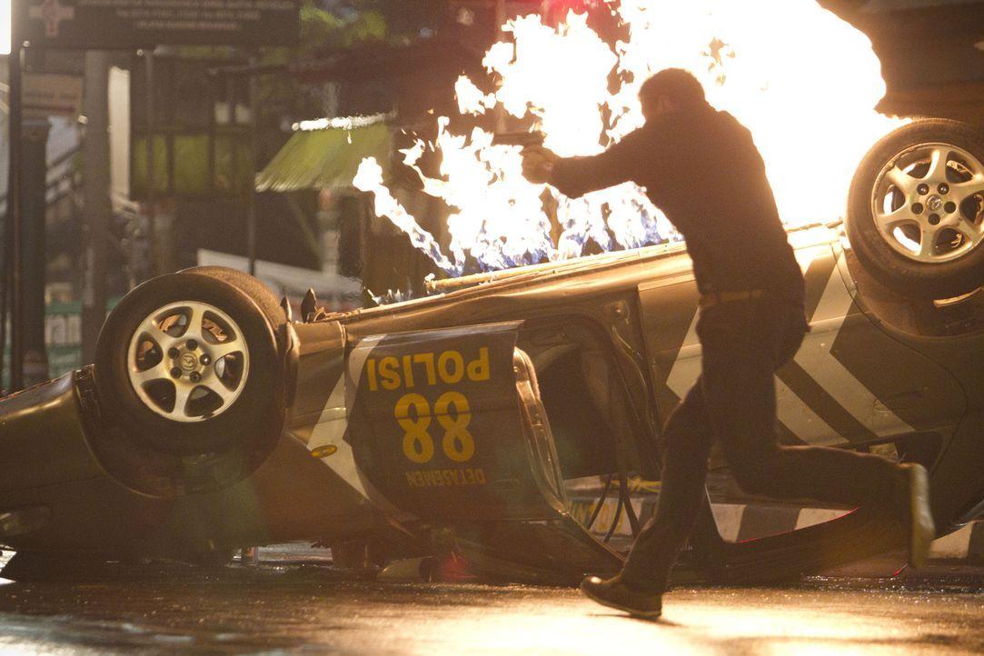 Im Visier tödlicher Kräfte: FBI Agent Jake Travers (Kellan Lutz) ... - Bildquelle: erland 2012 - JAVA HEAT