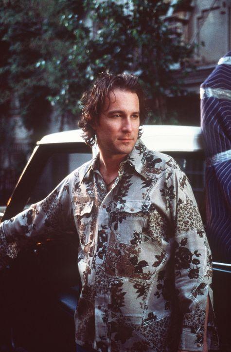 Leider muss Aidan (John Corbett) für zwei Tage die Stadt verlassen und verabschiedet sich von seiner unglücklichen Freundin Carrie. - Bildquelle: Paramount Pictures