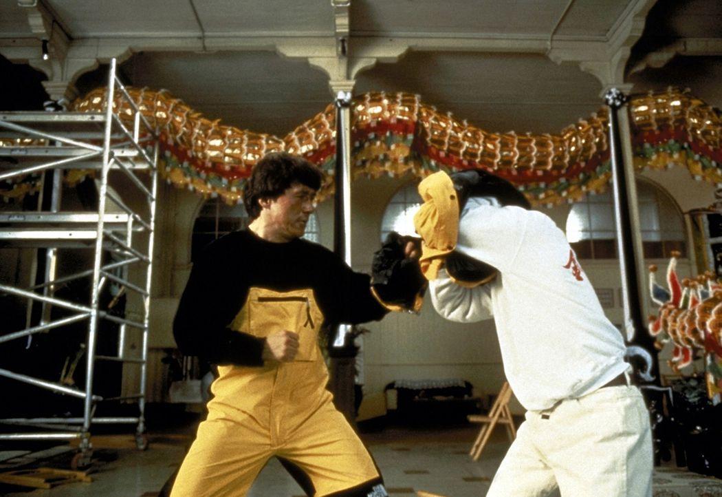 Terroristen haben einen Atomsprengkopf entwendet und planen nun Erpressungen in großem Rahmen. Doch da haben sie den Hongkong-Cop Jackie (Jackie Cha... - Bildquelle: New Line Cinema